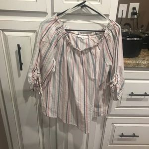 Dress barn used off the shoulder top size xl